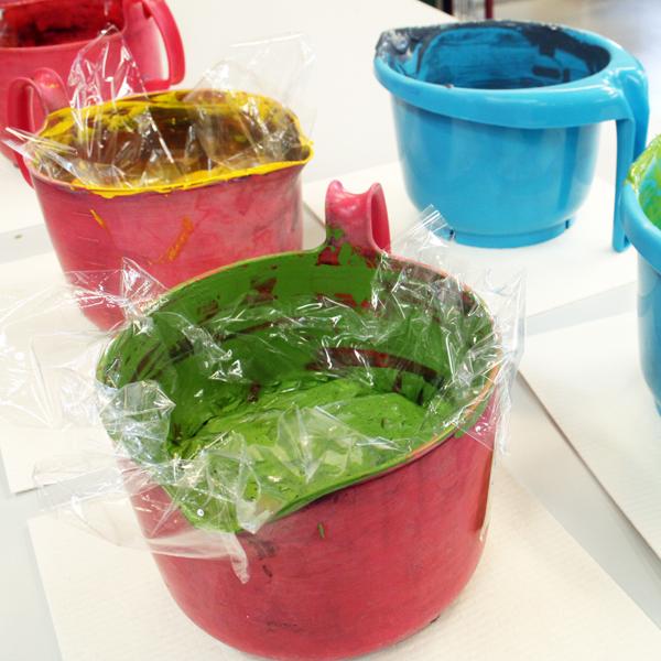 Vattenbaserad färg