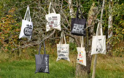 We now want to introduce our latest product in our range, the printed bag!